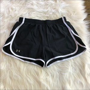 ~Under Armour~ Black athletic shorts w/ white line